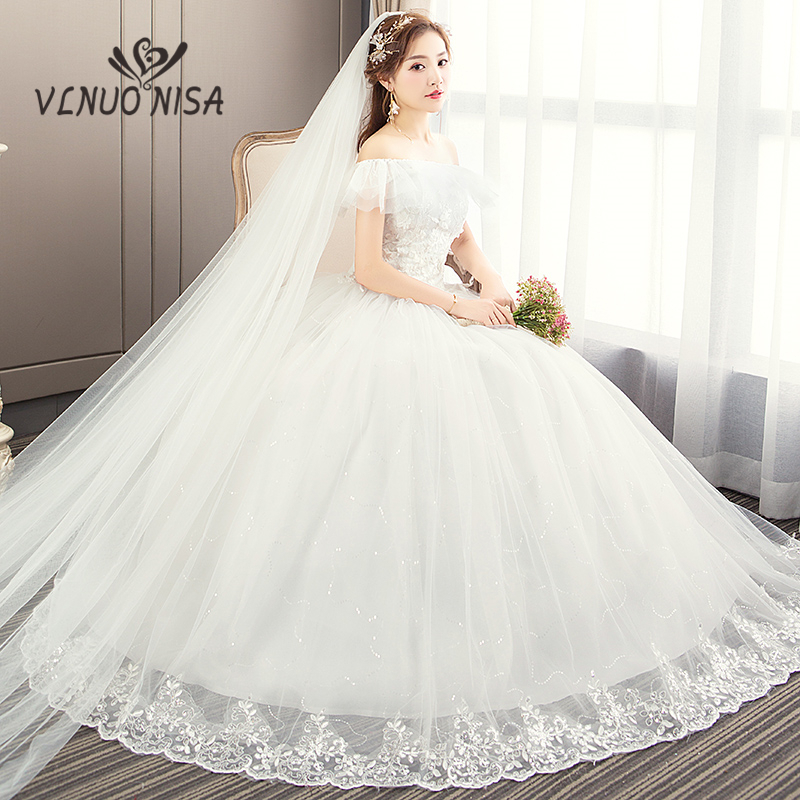 Fashion Simple Customized Wedding Dresses Exquisite Embroidery Tulle Boat Neck Ball Gown With Delicate Applique And Sequins