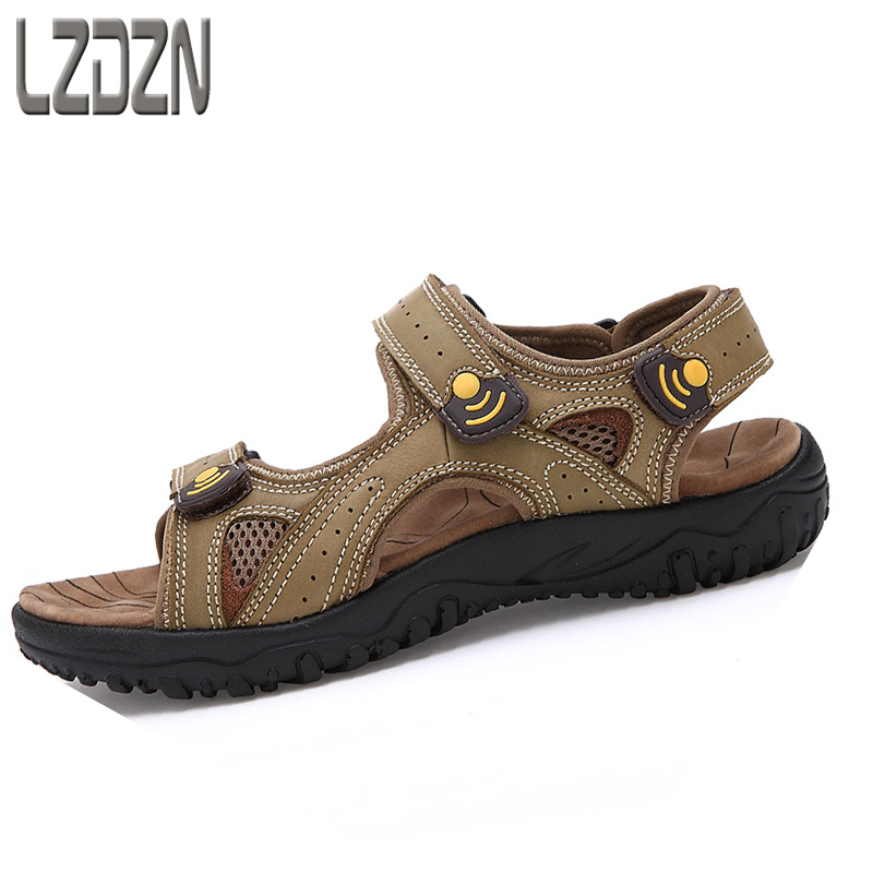 The beach boys leather sandals youth mens Junior High School Students Summer Boys Boys Youth middle-aged men