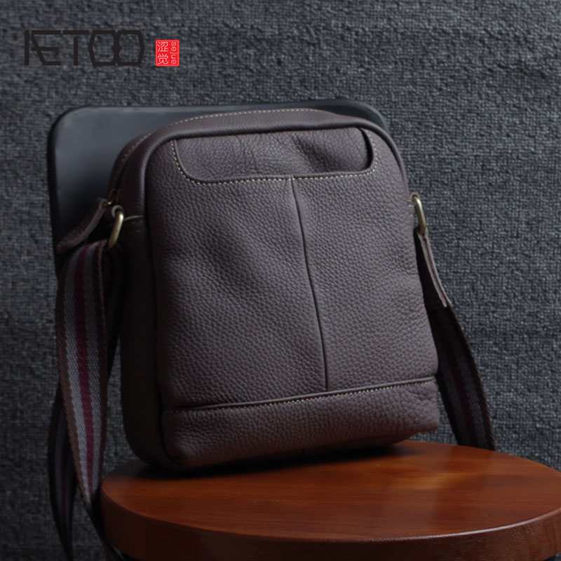 AETOO Leather men's shoulder bag summer casual bag hand first layer of leather Messenger bag wild Korean package qiaobao spring new first layer of leather shoulder messenger female bag korean fashion trend envelope bag