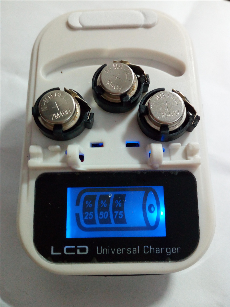 high quality!!! New 1 LED Charger + 3PCS ZM40H LR44 Rechargeable Coin Cell Battery
