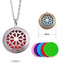1pcs 32mm Round Essential Oil Diffuser Filigree Locket Necklace with Colorful Diffuser Pads For Aromatherapy Necklace