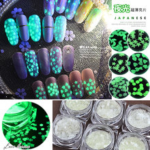1 box Ultra-thin Luminous Nail Art Decoration Sequins Glow In The Dark Fluorescent Flakes For Design Manicure Books Accessory 6 box set fluorescent luminous nail art sequins star moon heart flower six style ultrathin glitter nail flakes glow in the dark