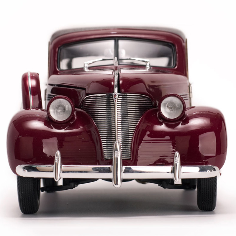 1/18 Scale Alloy Diecast 1939 Chevrolet Woody Surf Wagon Classic Car Model Vehicles Toys For Fans Collections Red/Green Color