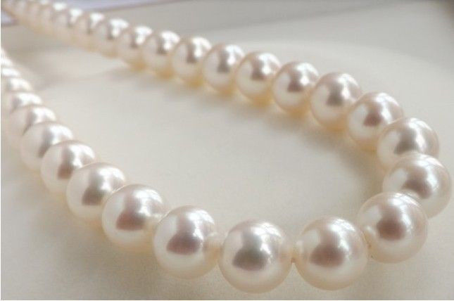 free shipping HUGE AAA 10-11MM PERFECT ROUND SOUTH SEA GENUINE WHITE PEARL NECKLACE 18ok beautiful genuine 18 aaa 10 11mm perfect round south sea white pearl necklace yellow clasp