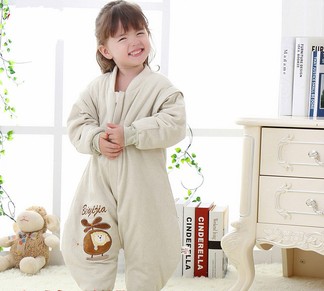 Warm and comfortable baby sleeping in autumn and winter festival style cotton thickened children baby anti kick was split.