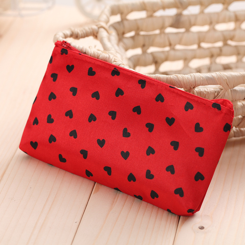 2017 New Cosmetic Bag Women Makeup Bags Female Zipper Cosmetics Bag Portable Travel Make Up Pouch small love Taobao handbags купить