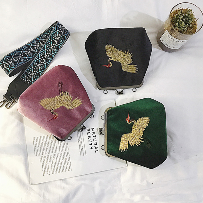 2018 Embroidery corduroy women bag Flying crane pattern womens handbags retro Shell Shoulder bag strap Messenger Nationa bags