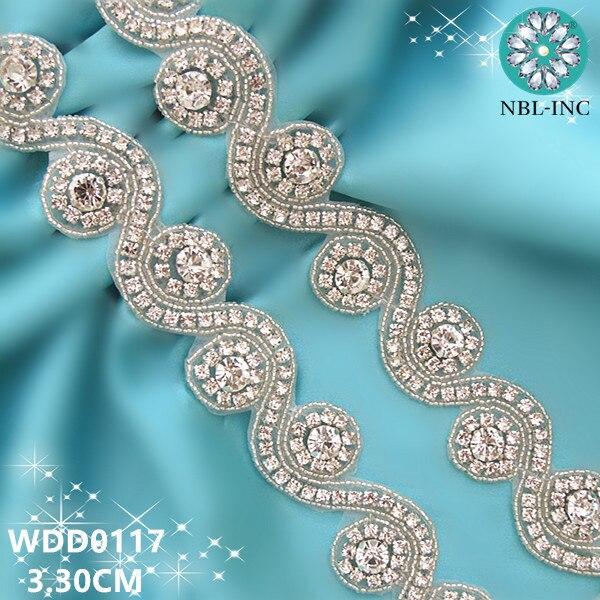 Ev ve Bahçe'ten Yamalar'de (10 metre) toptan gelinlik boncuklu aplike gümüş temizle kristal rhinestone trim demir için düğün elbisesi konfeksiyon kanat WDD0117'da  Grup 1