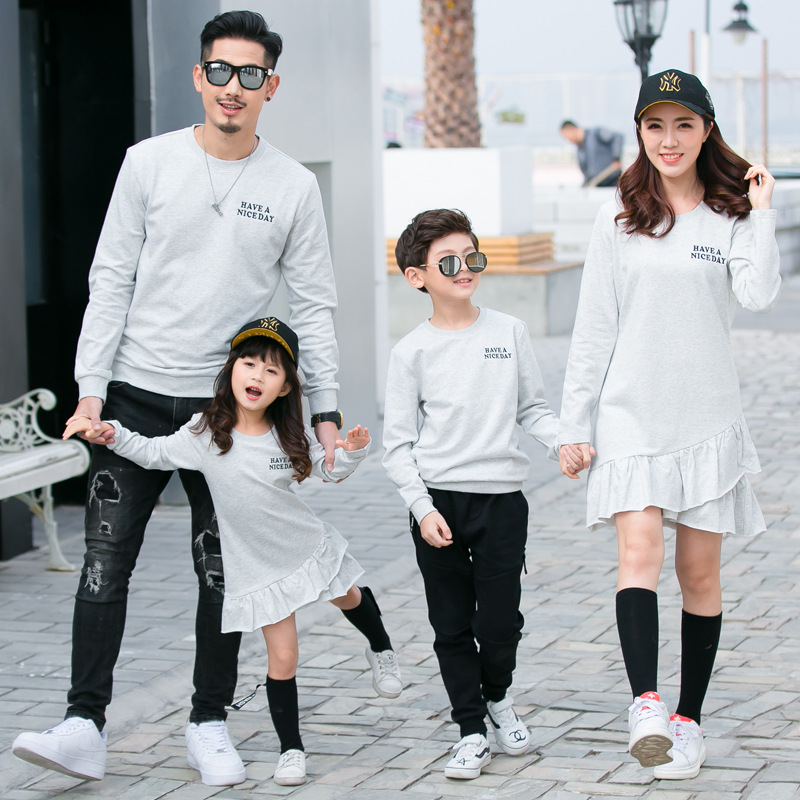 Family Matching Outfits New Autumn Mother Daughter Father Son Daughter Cotton Causal Long-Sleeved T-shirts Family Clothing Set