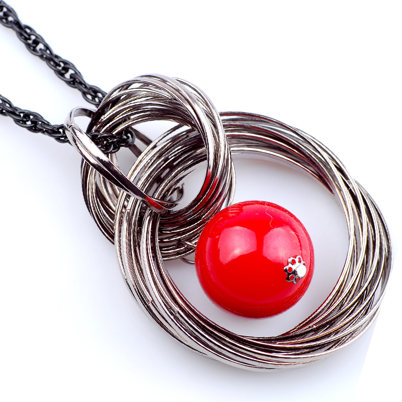 Red Resin Ball On A Metal Circle Long Sweater Chain Women Men Punk Pendants & Necklaces Birthday Gifts For Friends Jewellery