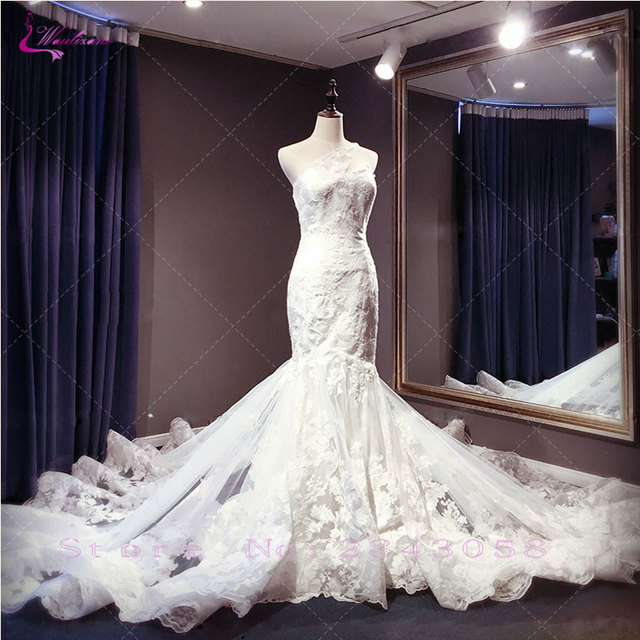 Waulizane Mermaid Wedding Dresses Strapless Unique Tiered Lace up Appliques Off The SHoulder Royal Train Bridal Gowns