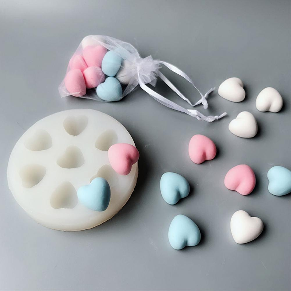 DIY Baking 7-hole Chicken Heart Cake Decoration Car Aroma Plaster Plaster Silicone Mold