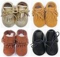 2016 nueva 100% hecha a mano con cordones cuero genuino del ante mocasines bebé borla de primer caminante del bebé calza Chaussure Bebe niño botas