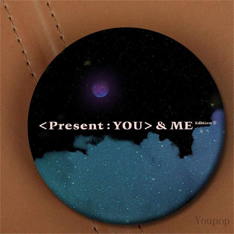 Youpop KPOP GOT7 3rd Album Presenti You & Me Edizione JINYOUNG ME Spilla Spille Accessori Distintivo Per I Vestiti Cappello Zaino decorazione