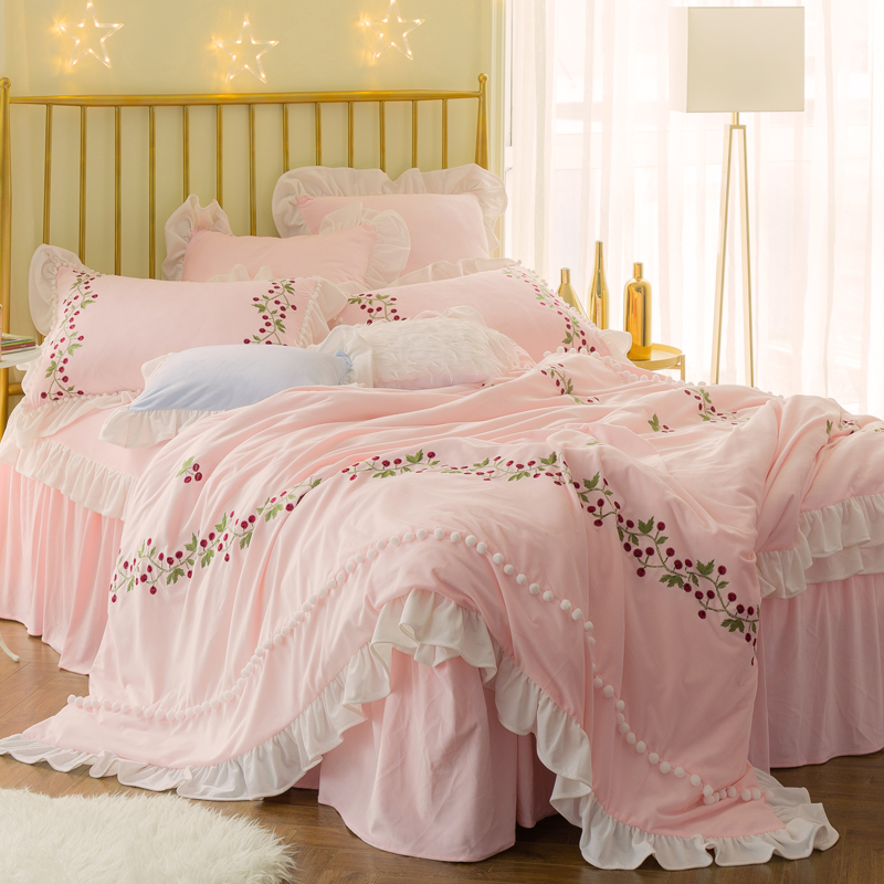 Winter Thick Fleece Pink White Princess Designer Bedding sets Queen King size Girls Bed set  Duvet cover Bed skirt set GiftsWinter Thick Fleece Pink White Princess Designer Bedding sets Queen King size Girls Bed set  Duvet cover Bed skirt set Gifts