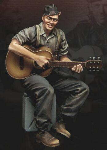 1/35 Resin Figures Soldier Playing Guitar 1pc
