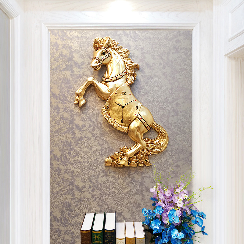Hot, Chinese Creative Simple Golden Horse 3D Wall Clock Modern Home Clock Living Room Mute Clock Fashion Decorative Quartz Clock