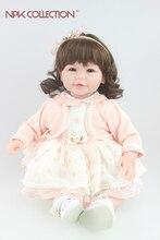 Muñeca reborn de 50 cm con cabello rizado