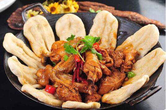Traditionnel chinois fait à la main non enduit double oreilles en fonte maison marmite épaissie fond rond autocollant pot wok 30-40 cm