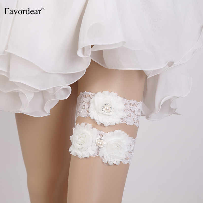 Favordear White Lace Three White Flowers Wedding Garter 2 PC Elastic Band Beading Sexy Bridal Garter Belt for Bride/women/Female