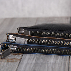 Image 4 - AETOO billetera de cuero hecha a mano para hombre y mujer, billetera de piel de vaca, clip para dinero, diseño simple, general