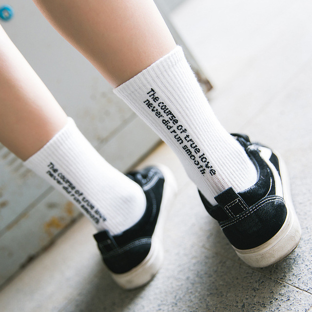 The Course Of True Love Never Did Smooth Personality English Characters Women Socks Teenagers Letter Skateboard Socks Teen