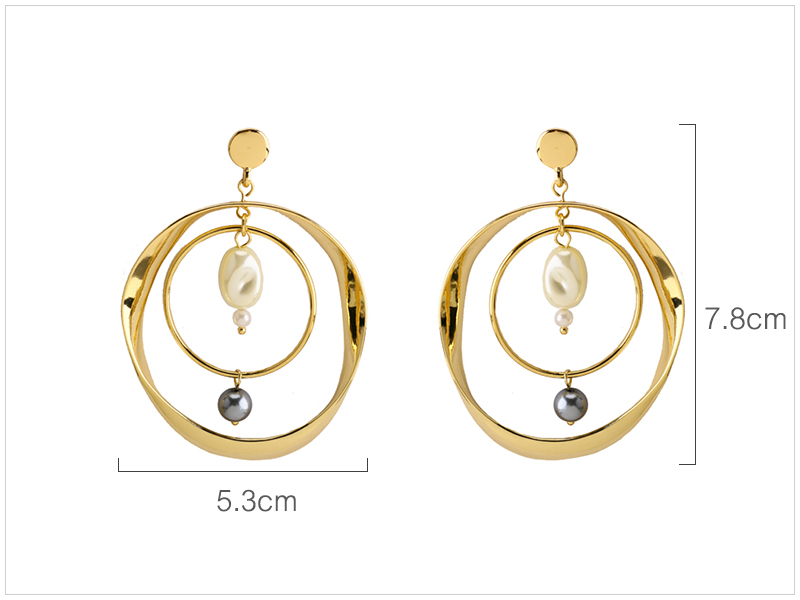 Circle Pearl Earrings  (1)