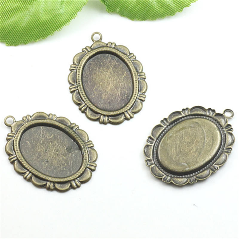 20pcs Flower Pendant Cabochons Settings Antique Bronze Blank Base Bezel Trays Fit 13*18mm Glass Cabochon DIY Findings Components