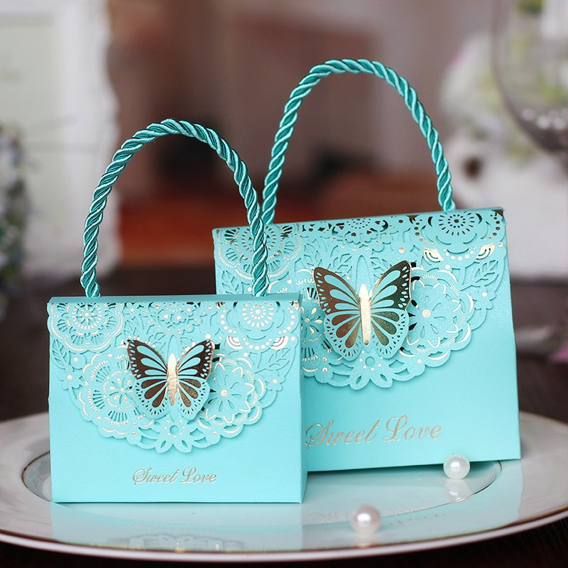 50pcs/lot Creative Butterfly Flower Gift Bags Candy Boxes Wedding Favors Portable Treat Party Favor Decor For New Year Christmas