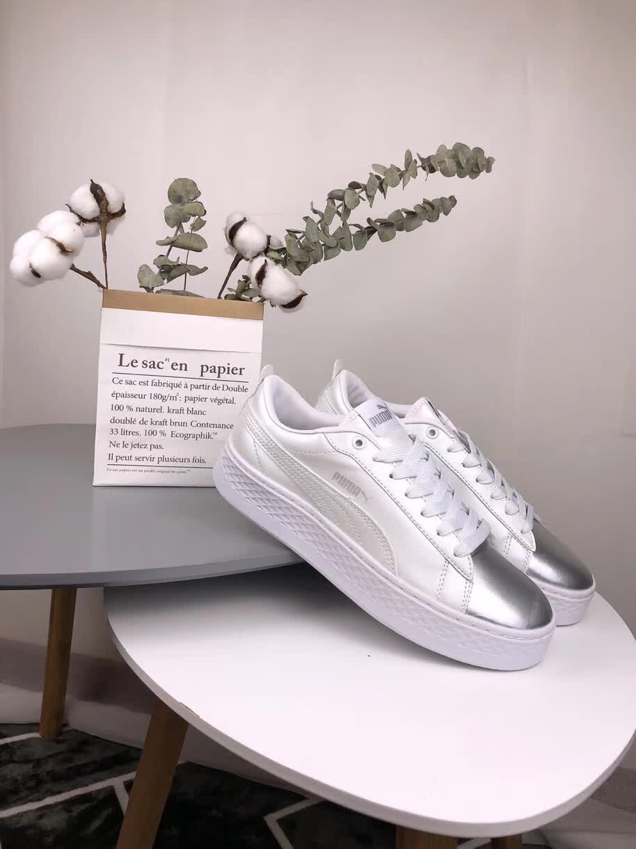 fcff0435e073 2018 PUMA FENTY Cleated Creeper MEN AND Women s First Generation Classic  Basket Suede Tone Simple Badminton ...