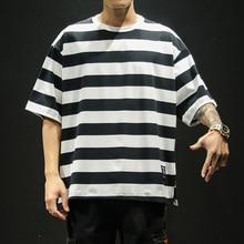 купить Summer TShirt Fashion Stripe Short Sleeve Shirts Tops Tees Men Black White Casual T-Shirts Male Cotton HipHop Streetwear T Shirt по цене 947.66 рублей