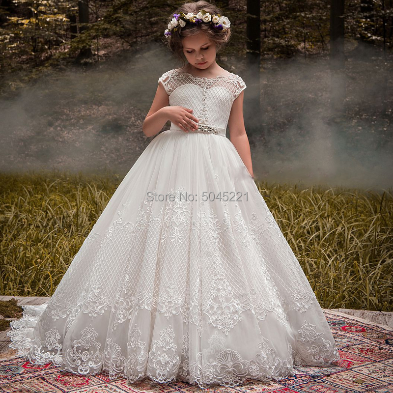 New Arrivals Lovely Princess Girls Cap Sleeve Beading Long Chapel Train Lace Appliques Wedding Gowns Flower Girls Dresses