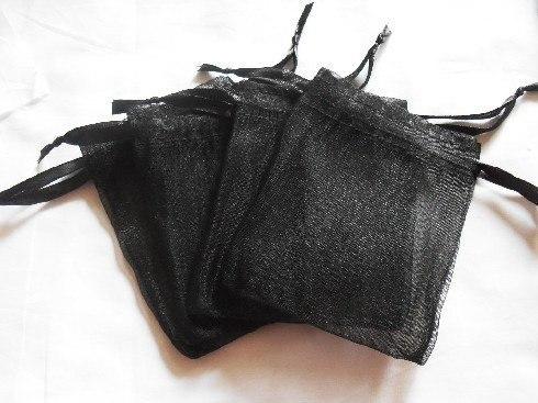 100 pcs lot noir couleur Organza Sacs 7x9 cm De Mariage Faveur Cadeau sac  Bijoux poches 50dc296013a