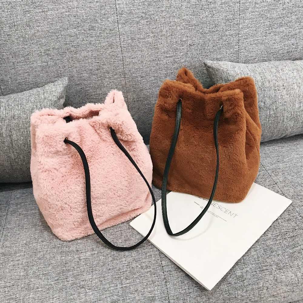 LEFTSIDE New Faux Fur Bag For Women 2018 Messenger Bags Female Shoulder  Crossbody Bucket Bag Winter 9daf712b4b0c8