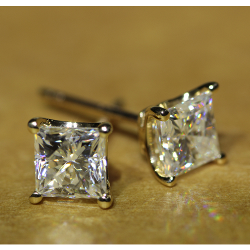 Queen Brilliance Fine Jewelry Solid 14kt 585 Yellow Gold Princess Cut 1 2 Carat Lab Grown Moissanite