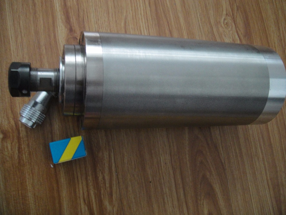 3.2KW ER20水冷スピンドAC220V、4ベアリング、3.0KWスピンドルの新しい更新バージョン