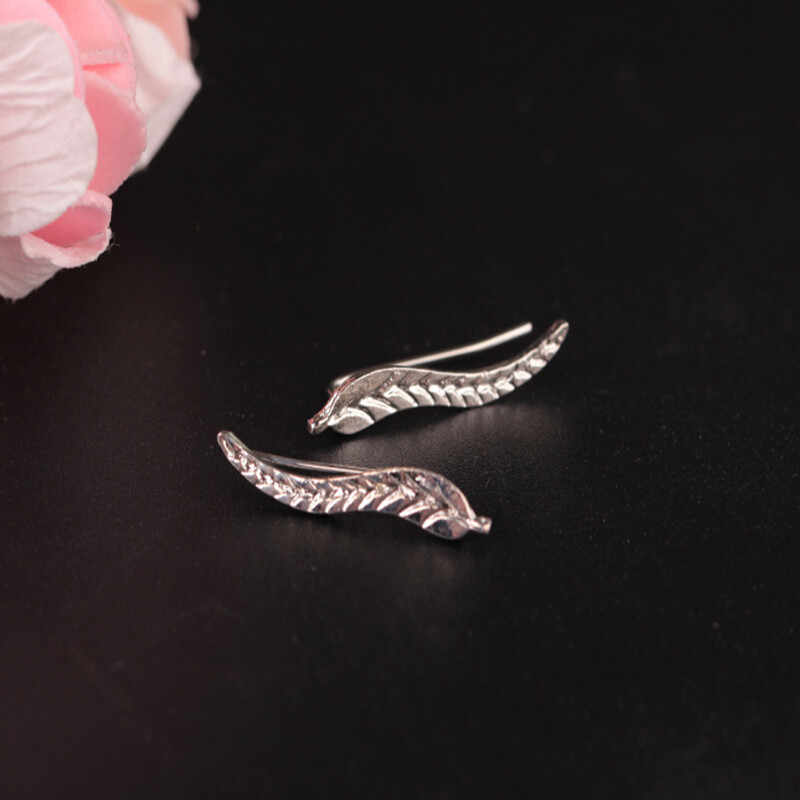 2017 Vintage Jewelry Exquisite Leaf Earrings Modern Beautiful Feather Stud Earrings for Women