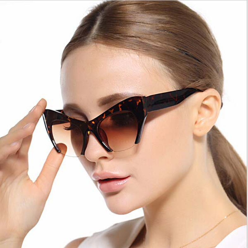 b7f55fea8 جديد فاخر خمر الزخرفية البلاستيك إطار النظارات الأزياء نظارات شمسية المرأة  القط العين oculos دي سول نوعية جيدة