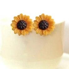 63fd1dd5555d Pendientes de flores doradas de moda coreana para mujer encantador estilo  de simplicidad Margarita flor pendientes de moda