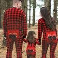 Семейные пижамы для мамы, папы и детей детские клетчатые принт пижамы Рождество ночное мультфильм наряды с медведем Семейные комплекты - фото