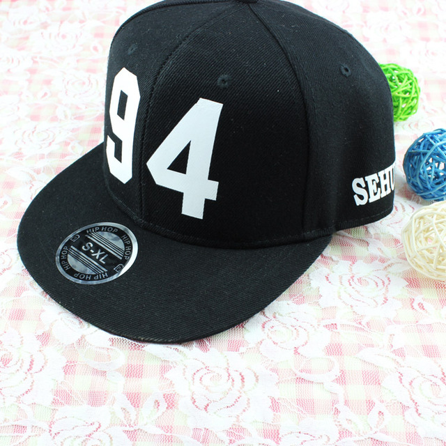077cd4aa2dc Exo Sehun 94 kris chanyeol baekhyun D.O. Kai Luhan hiphop cap black star  baseball cap black hats