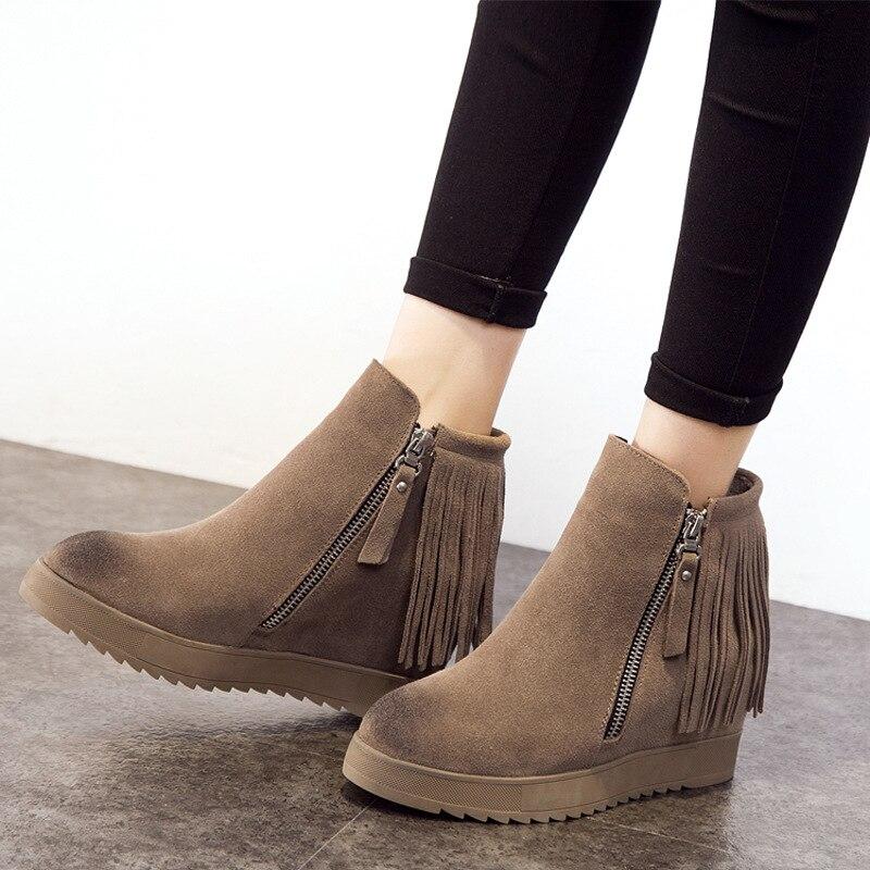 купить women boots 2018 autumn and winter new snow boots genuine leather zipper wedge heel ankle boots women winter shoes size 34-39 по цене 2132.51 рублей
