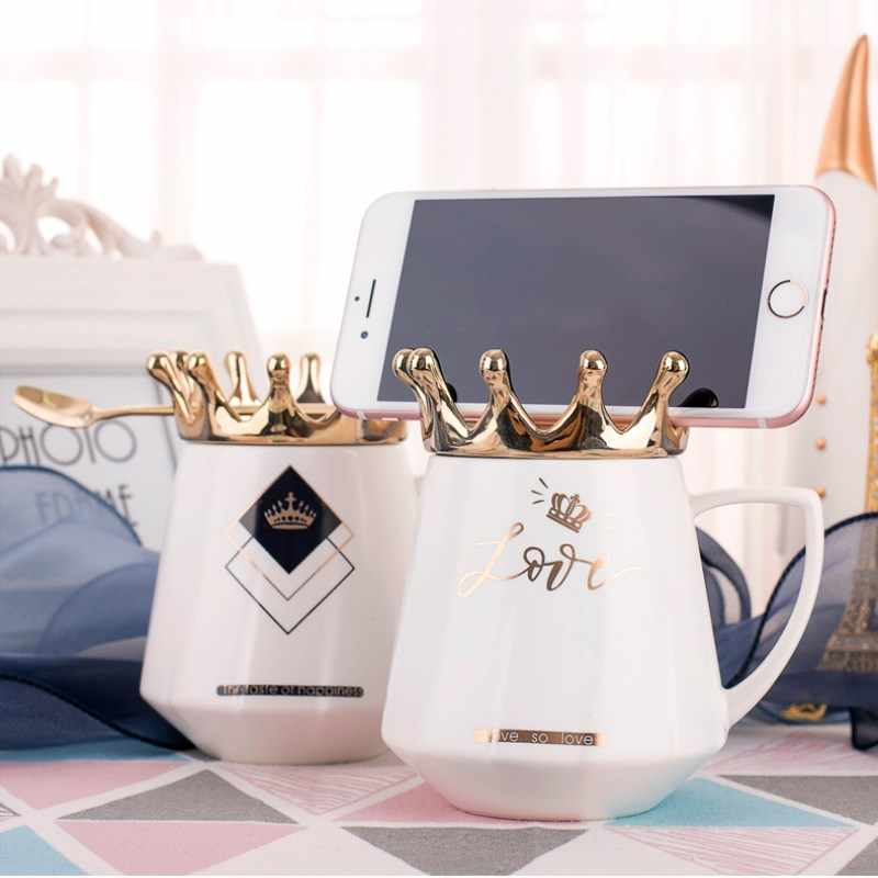 2019 New Creative Mobile Phone Holder Crown Ceramics Mugs Coffee Milk Tea Cups Couple Drinkware Travel Mug For Friend Gift
