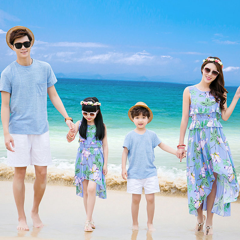 Family Pictures In The Beach: Family Matching Outfits Father Mother Daughter Son 2016