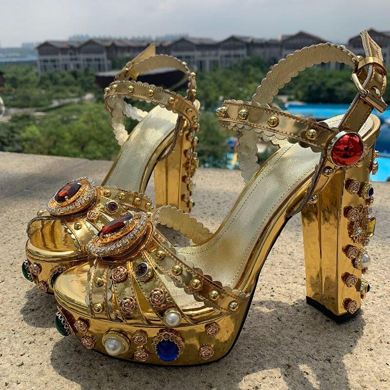 2019 neueste Gold Leder Plattform Sandalen Frauen Peep Toe Rot Diamant Strass Jeweled Hohe Ferse Schuhe Frau Gladiator Sandalen-in Hohe Absätze aus Schuhe bei  Gruppe 3