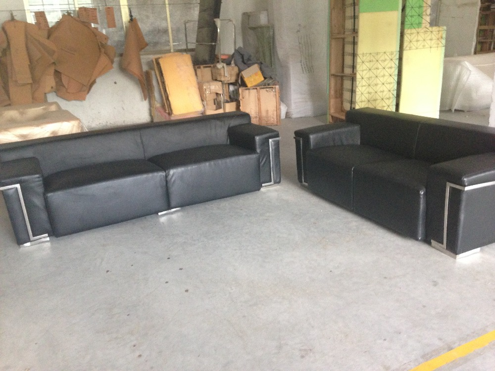 Real Genuine Leather Living Room Sofa Set Furniture Living Room Sofa 2+3  Seater Black Color With Stainless Steel Stock Discount
