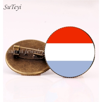 SUTEYI Croatia/Latvia Flag DIY Glass Brooch Lithuania/Liechtenstein/Luxembourg Republic Badges Pattern Pins Brooches Jewelry image