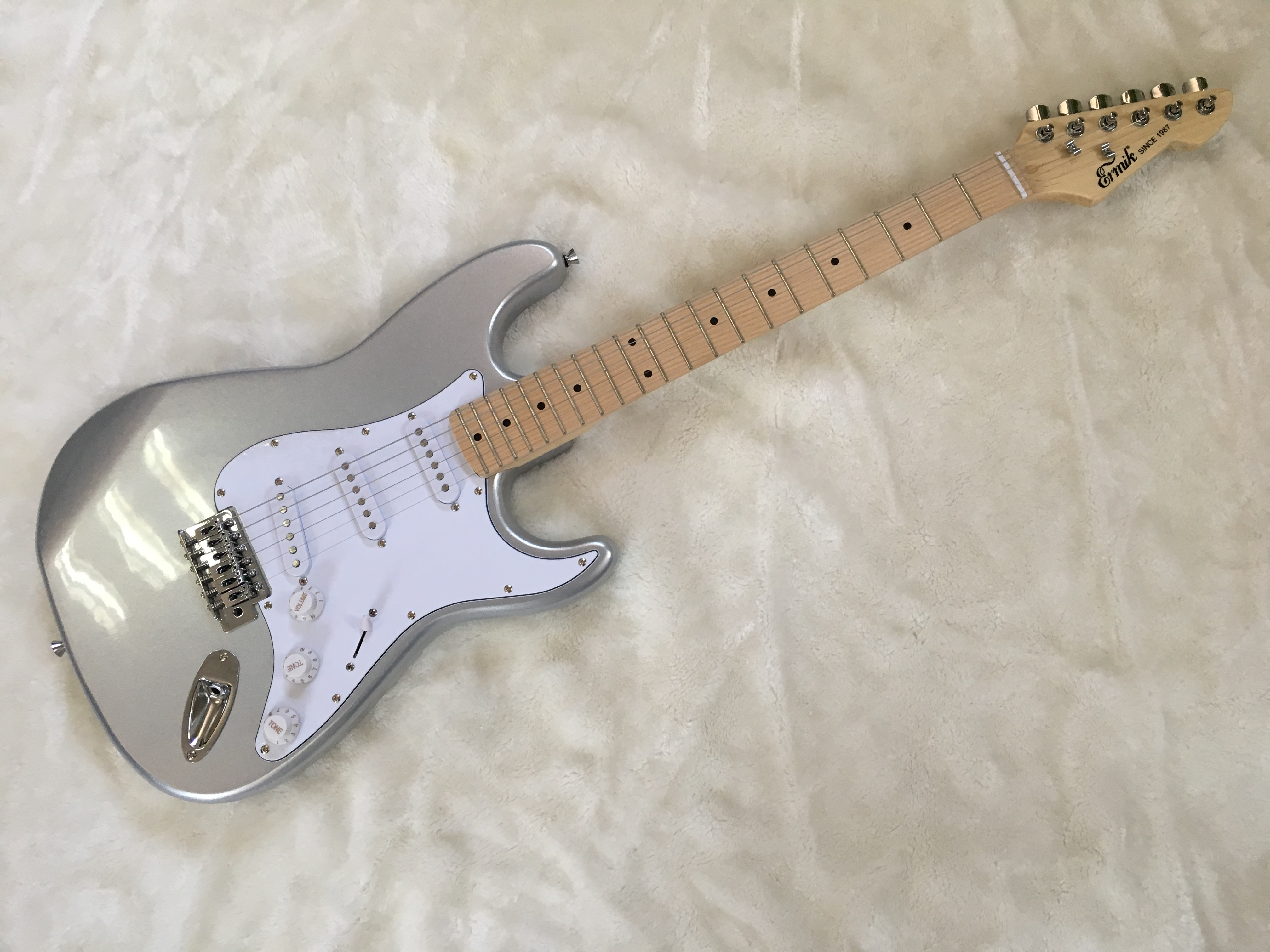 Electric guitar/2019 new ermik st silvery color guitar/guitar in chinaElectric guitar/2019 new ermik st silvery color guitar/guitar in china