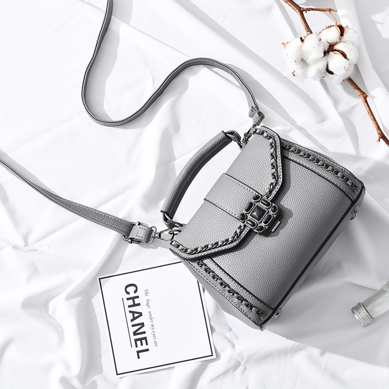 Fashion 2017 Small Chains Bag Women Candy Color Messenger Bags Pu Leather Female Mini Handbag Shoulder Bag Flap Women Bag
