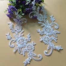 купить Beautiful Lace Appliqued Embroidered Venise Floral Neckline Neck Collar Trim Clothes Sewing Applique For Wedding Veil онлайн